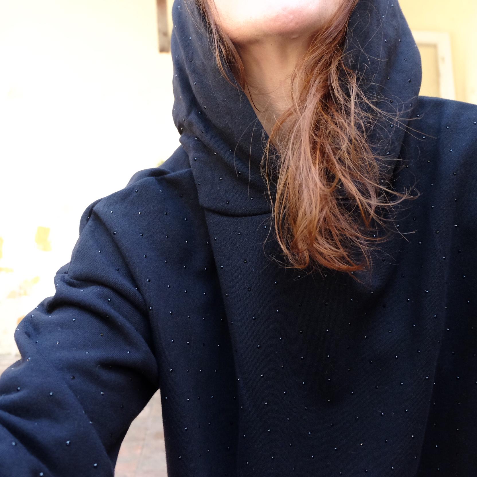 sudadera black strass